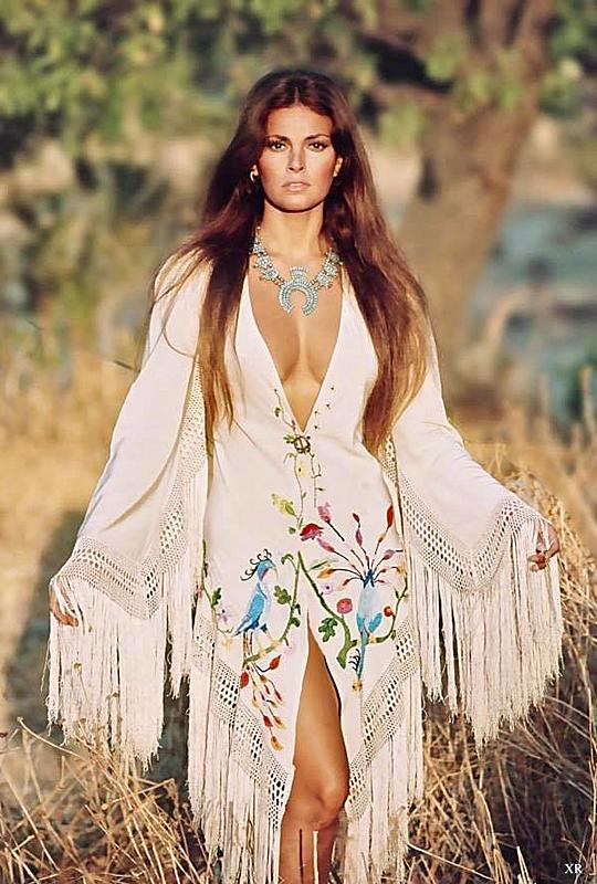 Click image for larger version.  Name:Raquel Welch.jpg Views:3 Size:77.7 KB ID:98328
